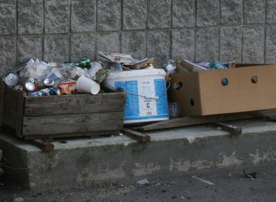 Altkleider sind Abfall!