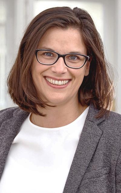 """Dr. Claudia Fuchs: """"Vergaberechtliche Erleichterungen für Schwestergesellschaften im öffentlichen Konzern"""""""